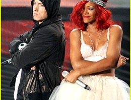 Rihanna and Eminim Love the Way You Lie