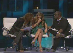 Jennifer Lopez cries on American Idol