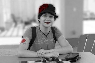 homeless-veteran-woman